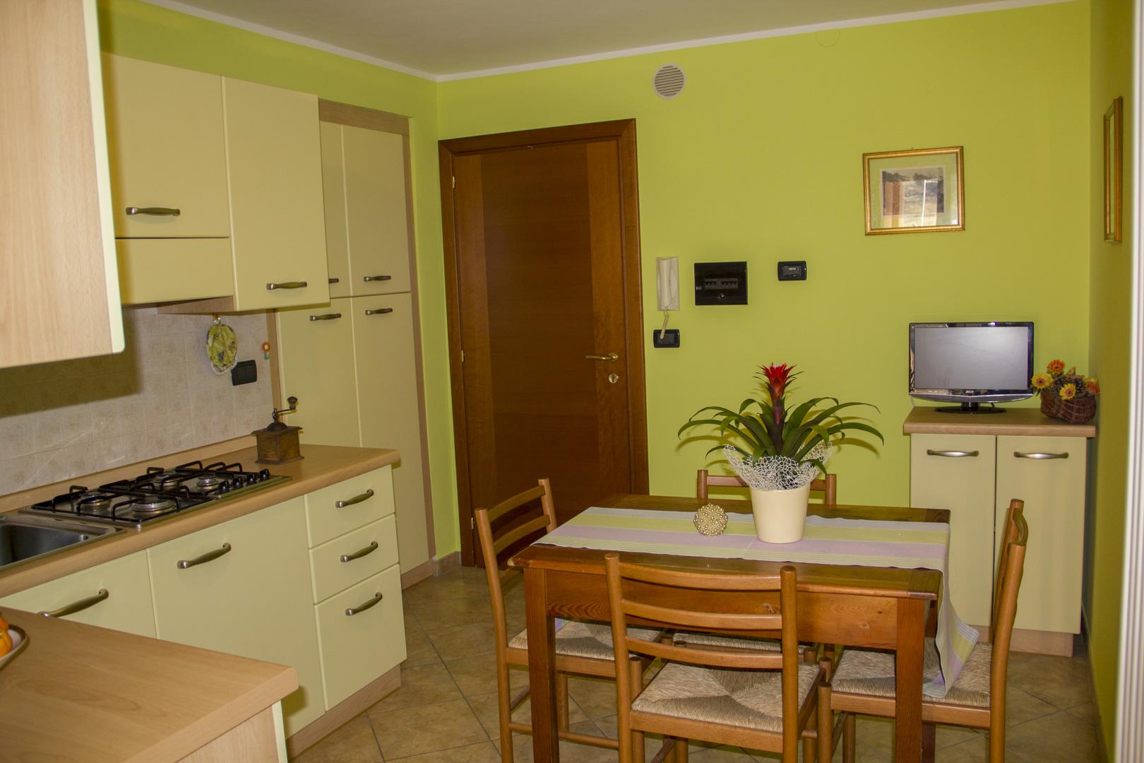 bilocale-ingresso-cucina-living-ca-del-nore-fontainemore
